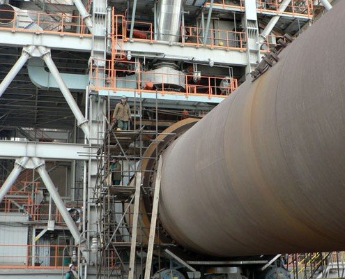 2004 Montážne práce na rekonštrukcií cementárne Holcim Rohožník, SR