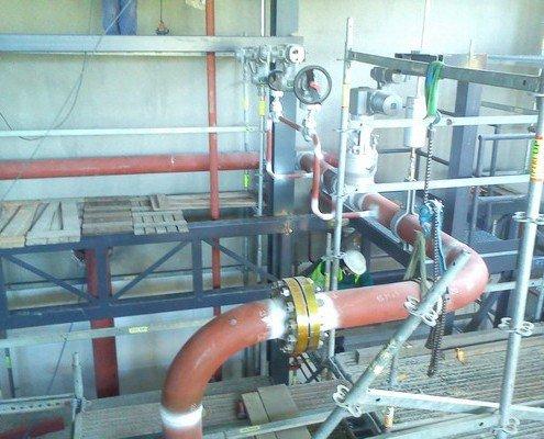 Hlavný parný ventil aj s obtokom na parovode tesne pred turnínou